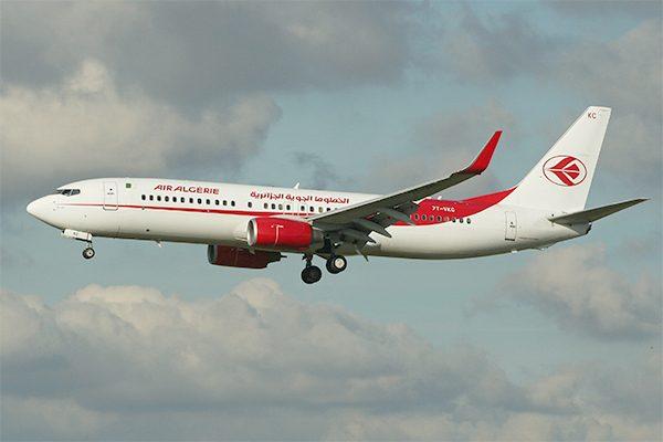طيّار جزائري ينقذ طائرة احترق محرّكها في السماء