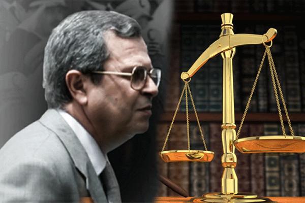 """محاكمة """"الجنرال توفيق"""" بتهمة الخيانة والتخابر مع العدو؟!"""