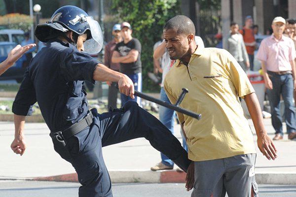 الشرطة تردّ على صورة مُهينة: ليست في الجزائر