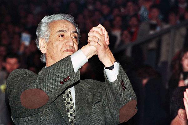 آيت أحمد.. من مجاهد إلى معارض إلى خائن!؟