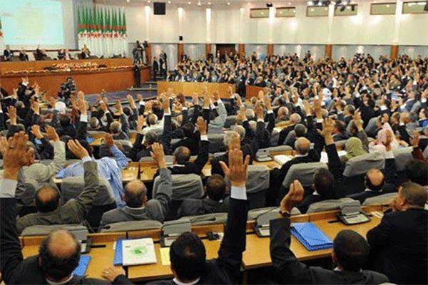 نظام برلماني أم رئاسي؟!