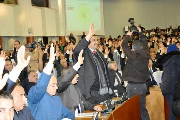 في الجزائر.. برلمان ضدَّ الشعب!