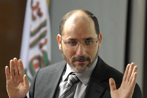 من يُحرّك عبد الرزاق مقري ضد بوتفليقة؟!