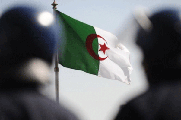الجزائر قاطرة الإنتصارات