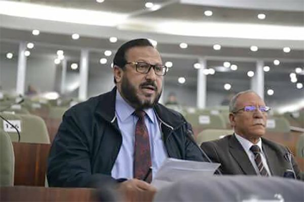 لماذا يتحامل حسن عريبي على الجيش الجزائري؟!