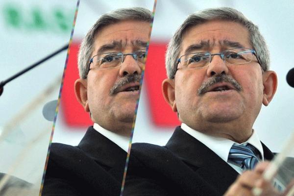 """أويحيى.. و""""الديموقراطية التي لا تليق بالجزائريين""""!"""