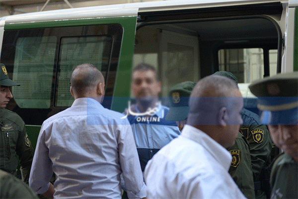 انتهاك خصوصية المواطن في القانون الجزائري..!