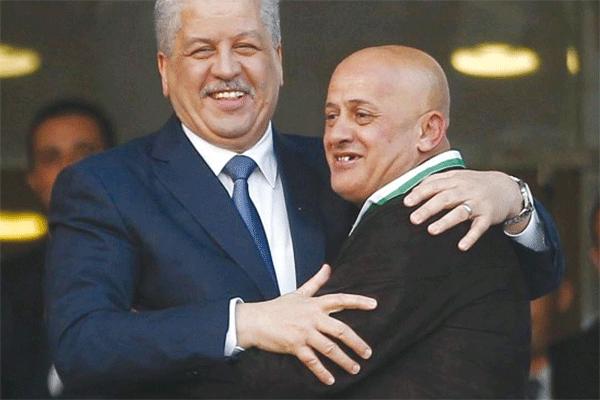 """حراك الجزائر.. لماذا أعادوا """"عمر غريب"""" إلى المولودية؟!"""