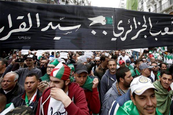 السيناريو الفرنسي الصهيوني لتدمير الجزائر