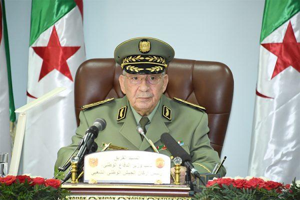 أحمد قايد صالح.. باب الدخول وباب الخروج!