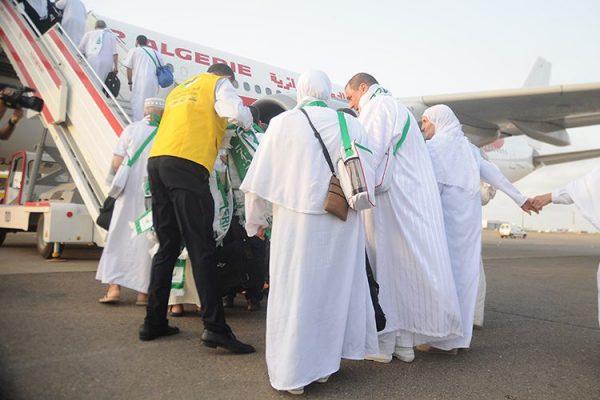 نقائص بالجملة في جناح الحج والعمرة بمطار الجزائر