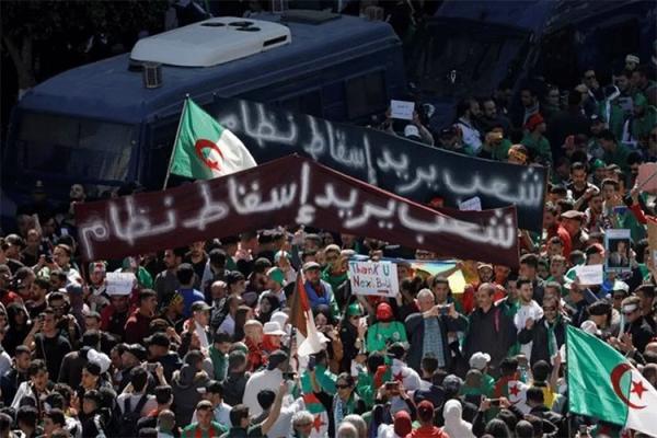 """""""الشعب يريد إسقاط النظام"""".. وماذا بعد؟!"""