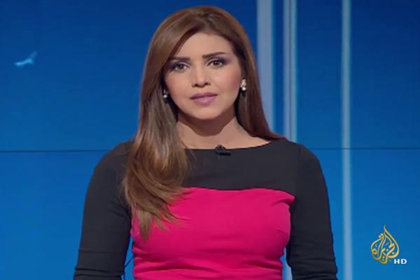"""مذيعة جزائرية بـ""""الجزيرة"""": جربوا لقاح كورونا على النّوّاب!"""