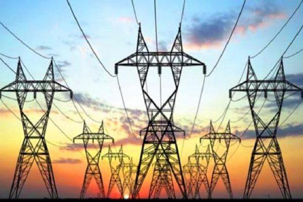 الجزائر تعرض مشروعا لتطوير الكهرباء في تونس وليبيا