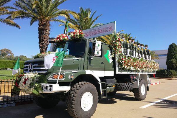 جنازة عسكرية مهيبة لشهداء وأبطال المقاومة الشعبية