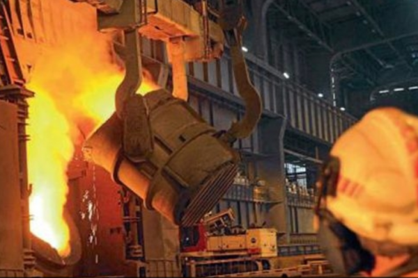 وزير الصناعة: سنبعث الصناعة التصنيعية من الحجّار