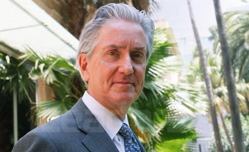 تعرّف على السفير الفرنسي الجديد بالجزائر