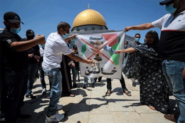 سيمفونيةُ السلامِ المقيتةُ على إيقاعِ قصفِ غزةَ وحصارِها