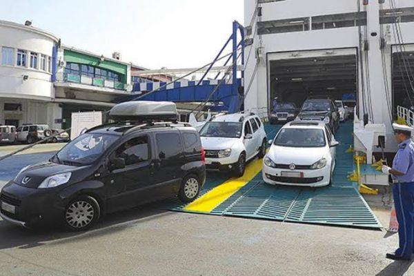 تجميد استيراد السيارات أقل من ثلاث سنوات..!