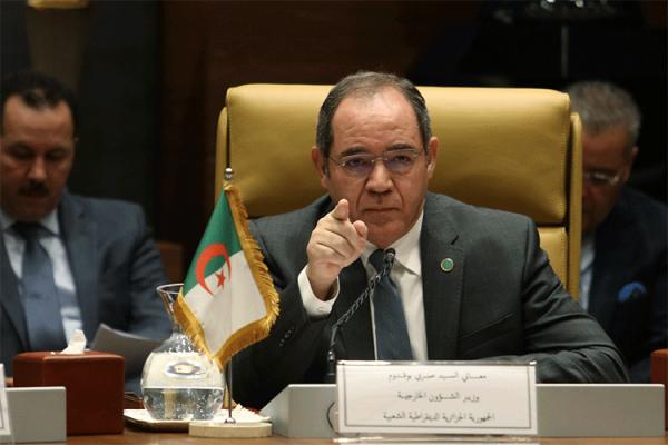 """بوقادوم: """"الجزائر دولة قوية ولديها جيش قوي"""""""