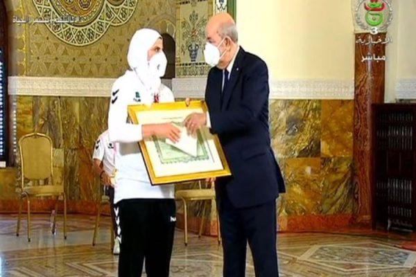 الرئيس تبون يكرم الرياضيين المتوجين بالألعاب البارالمبية