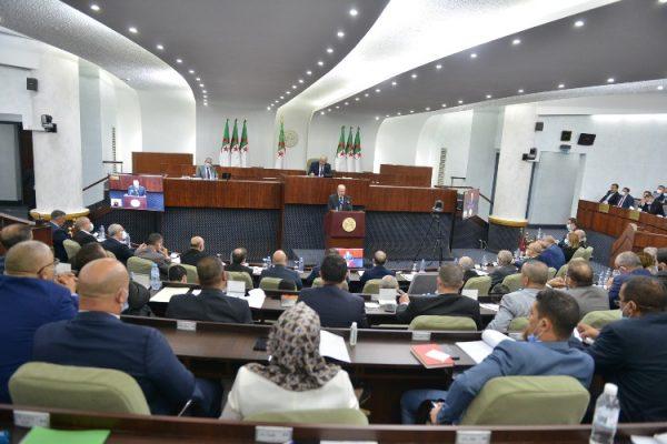 النواب يبدأون مناقشة مخطط عمل الحكومة