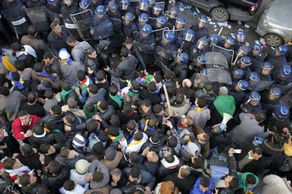 """الدّرك """"يحذّر"""" السلطات: الشعب في حالة غليان!"""